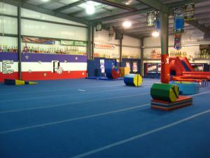 choosing the right cheer gym